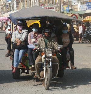 Allerlei soorten vervoertuigen zijn ontstaan uit een brommer, een aanhanger en heel wat handigheid.