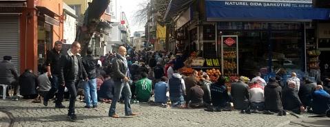 Vrijdagmiddaggebed in Istanboel