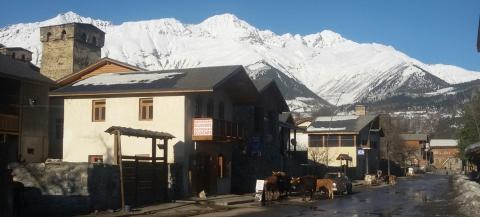 Het centrum van Mestia, de hoofdstad van Svanetië